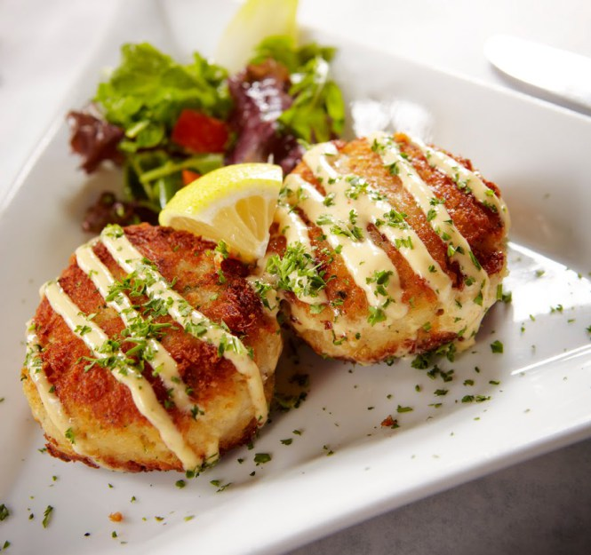 atyourservicecaters_crabcakes_appetizer