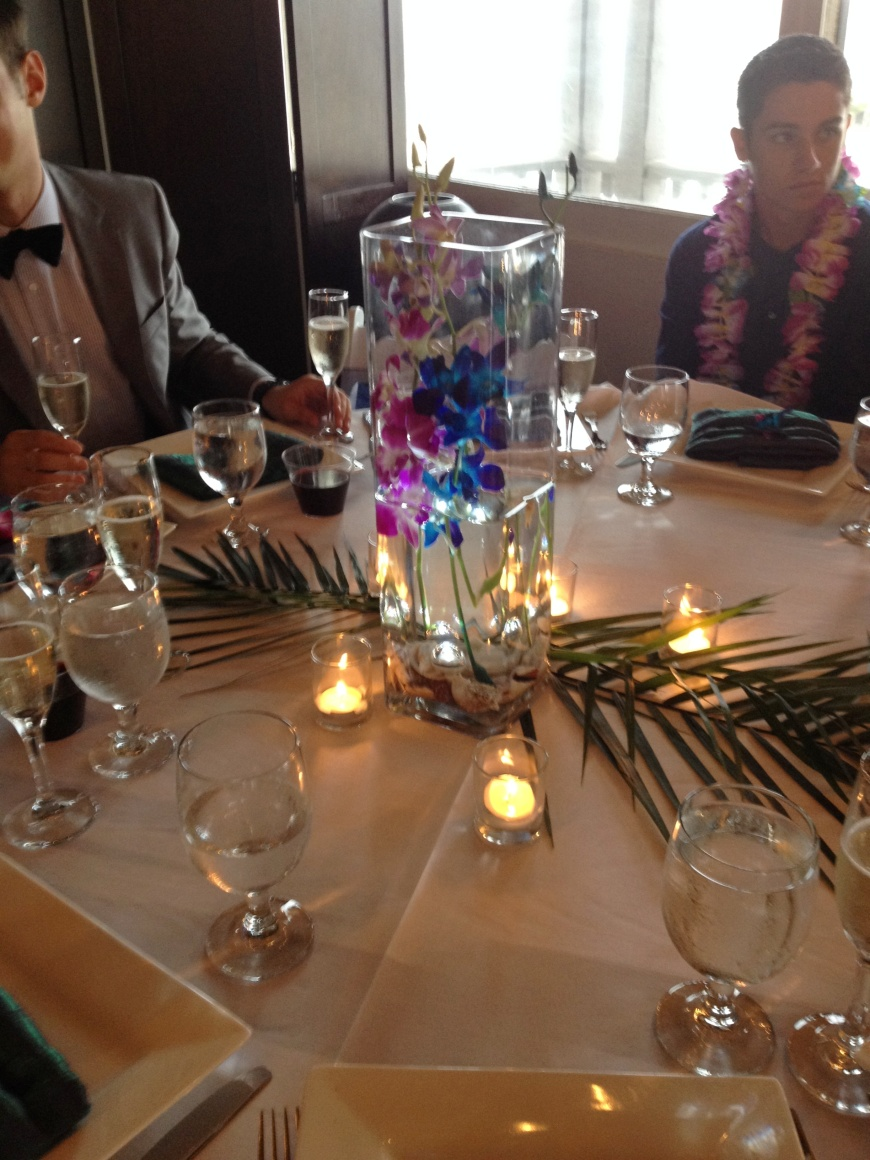 lagunabeachluaus_tablesetting_centerpieces