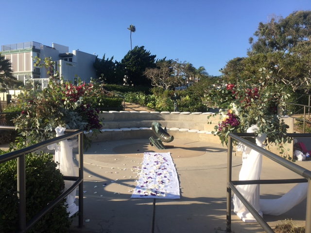 crescentbaypark_lagunabeach_weddingceremony_chaircushions