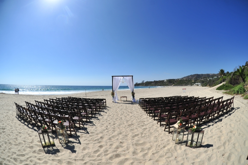 tricia_brian_august2016_saltcreekbeachwedding_beach-ceremony-set-up