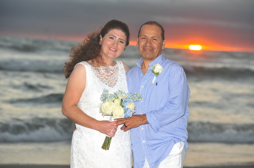 carmelash_b_wedding_bridegroom_sunset