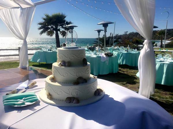 wedding_onbeach_page_cake_decor
